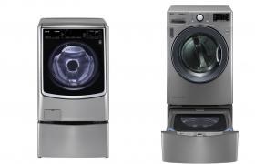 LG전자 트윈워시가 출시 3주년을 맞이한 가운데 올해 들어 LG전자가 국내에 판매한 트윈워시는 매출 기준으로 LG 드럼세탁기의 절반에 육박할 정도로 높은 인기를 이어가고 있다. 고객들은 하단 미니워시만 구매하면 드럼세탁기와 건조기 모두와 결합해 트윈워시로 사용할 수 있어 편리하다.