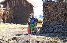에티오피아 농촌마을의 낯선 화장실 115개소 LG전자가 설치 지원