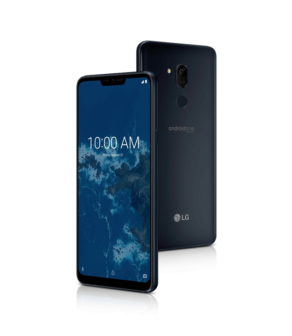 'LG G7 Fit'은 전면과 후면에 각각 800만 화소와 1,600만 화소의 고해상도 카메라를 적용했으면서도 가격을 낮춰 고객의 부담을 덜었다.