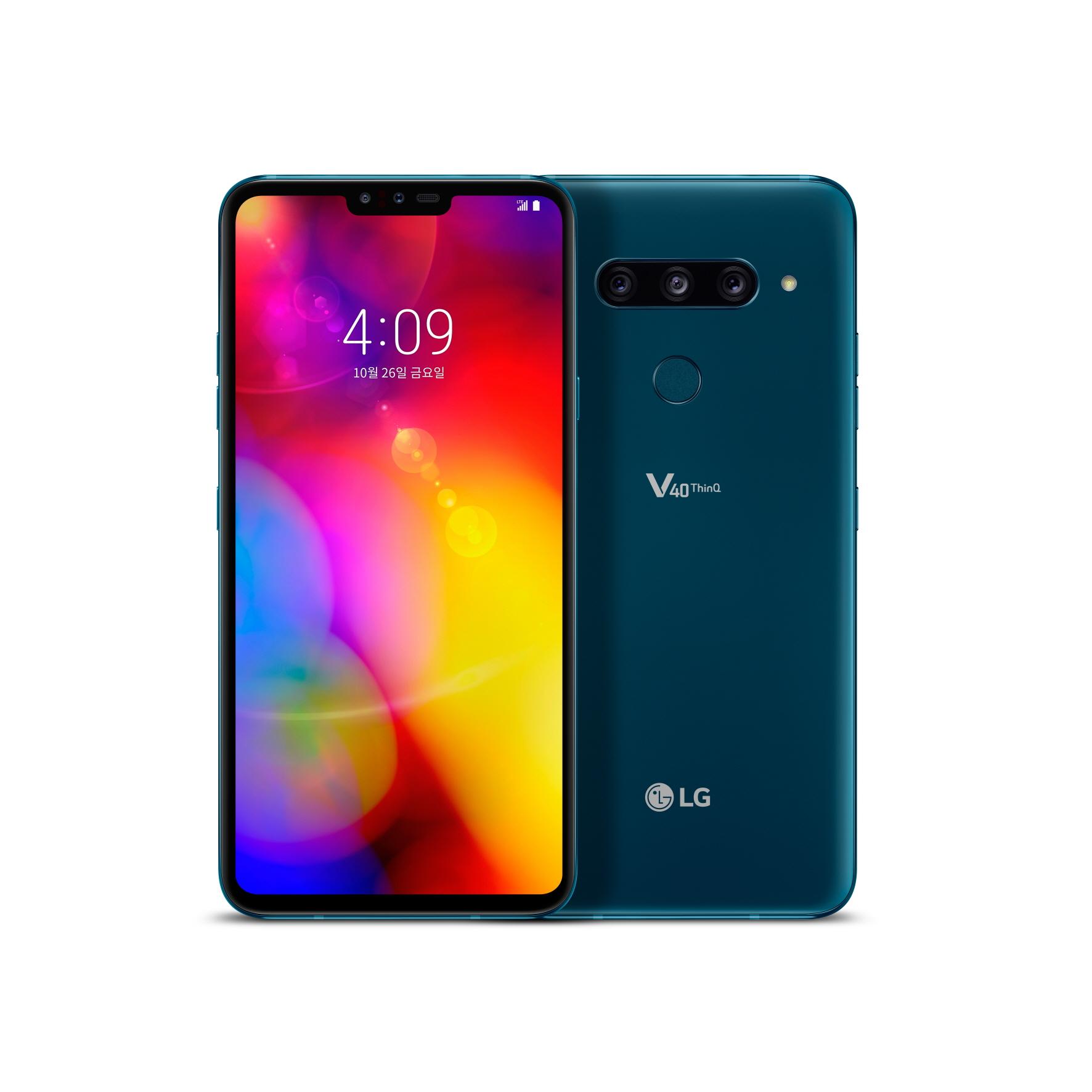 LG전자가 4일 5개의 카메라를 장착한 LG V40 ThinQ로 스마트폰 카메라의 새로운 기준을 제시한다. LG V40 ThinQ는 카메라의 기본 성능을 높이고 표준, 망원, 광각 등 다양한 화각(畵角)으로 편리하게 촬영할 수 있는 펜타(5개) 카메라를 장착했다.