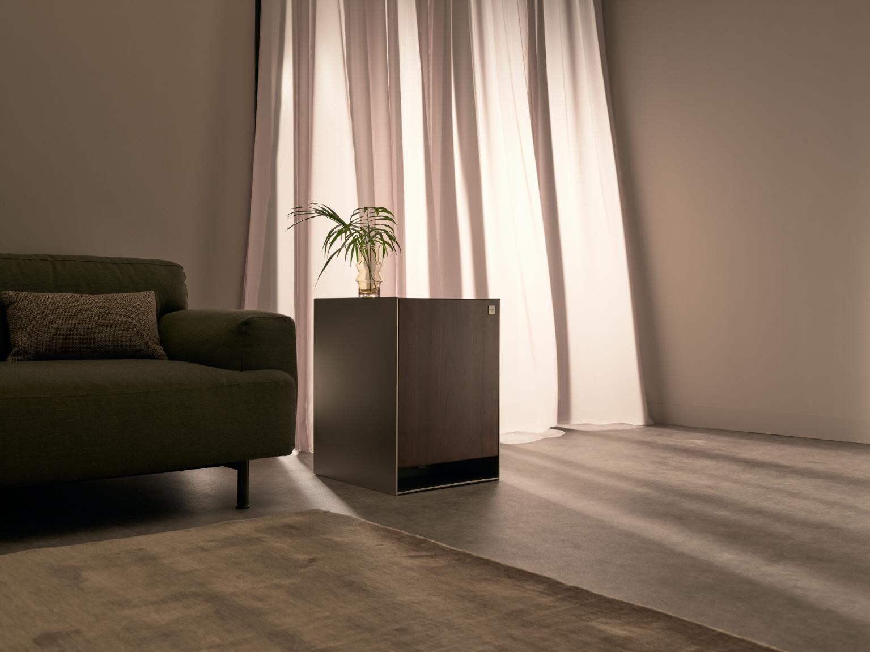 'LG 오브제(LG Objet)'는 나만의 공간과 시간을 완성시켜주는 프리미엄 프라이빗 가전(Premium Private Appliance)이다. 가전(家電)과 가구(家具)를 결합한 신개념 융복합 가전으로 인테리어와 조화를 이루는 차별화된 디자인으로 더욱 아름다운 공간을 연출할 수 있다. 사진은 LG 오브제 4가지 제품 중 가습 공기청정기