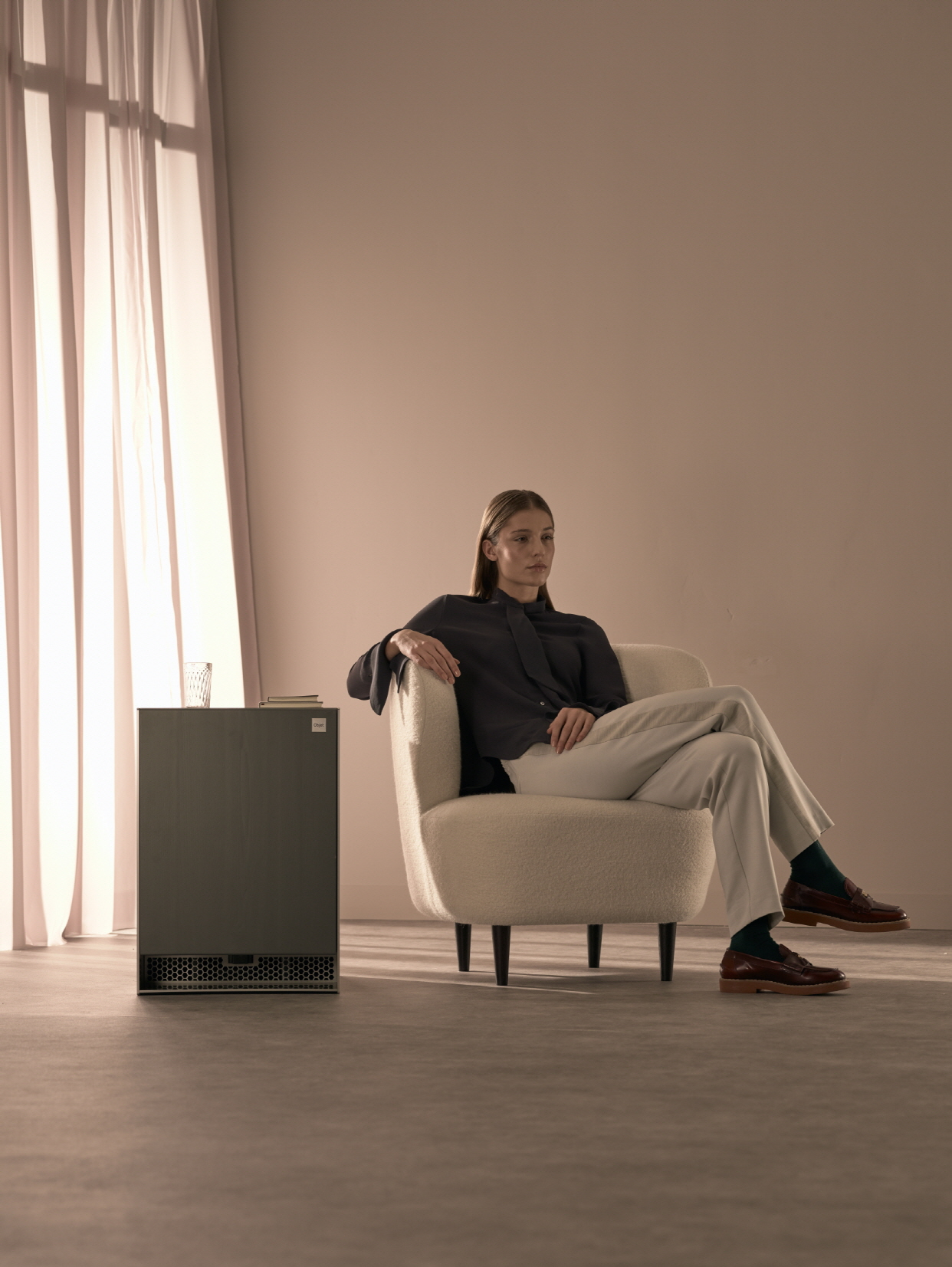 'LG 오브제(LG Objet)'는 나만의 공간과 시간을 완성시켜주는 프리미엄 프라이빗 가전(Premium Private Appliance)이다. 가전(家電)과 가구(家具)를 결합한 신개념 융복합 가전으로 인테리어와 조화를 이루는 차별화된 디자인으로 더욱 아름다운 공간을 연출할 수 있다. 사진은 LG 오브제 4가지 제품 중 냉장고.