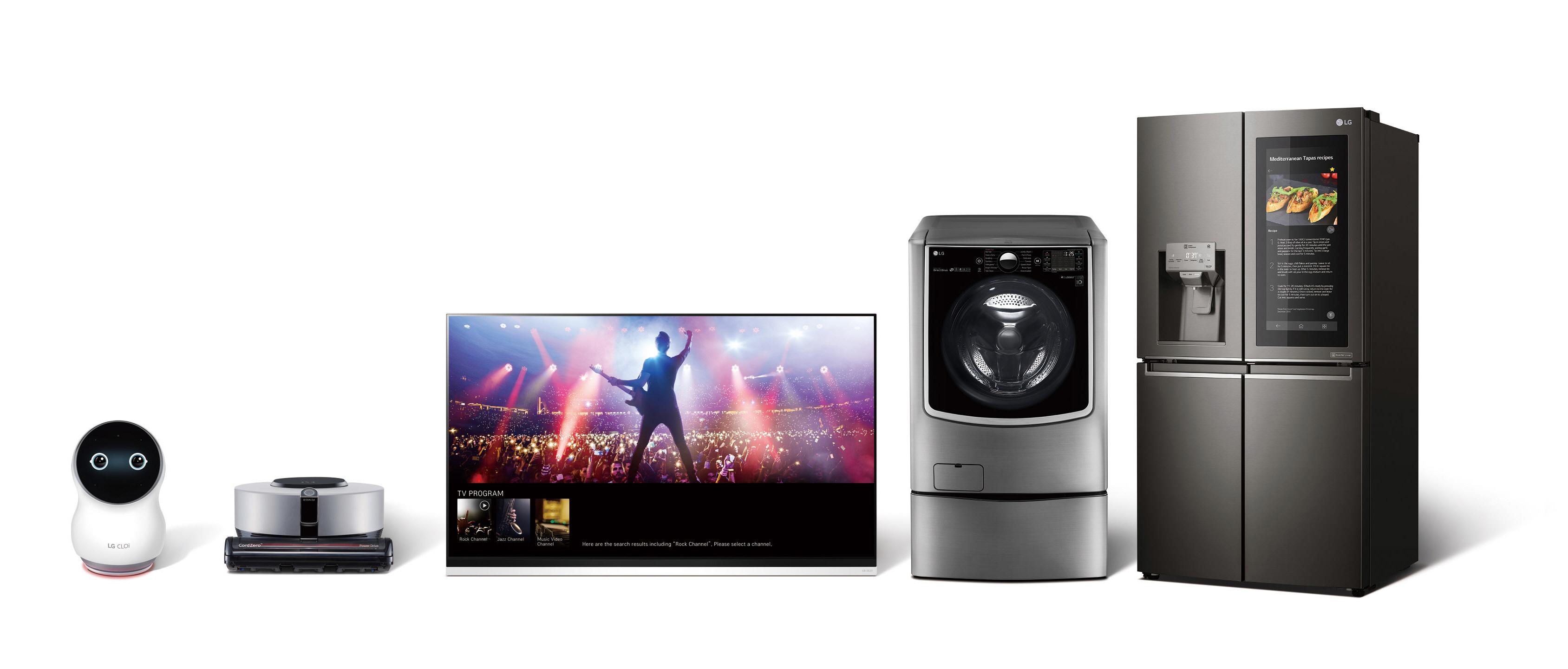 G전자가 새로워진 인공지능 'LG 씽큐(LG ThinQ)'를 통해 그 동안 경험하지 못했던 기대 이상의 인공지능을 보여주며 고객들의 삶의 질을 한층 높인다. LG전자는 내달 8일 개막하는 CES 2019에서 「LG 씽큐 AI 존」을 대거 구성해 새로워진 LG 씽큐를 선보일 예정이다. 사진은 LG 씽큐 제품 라인업