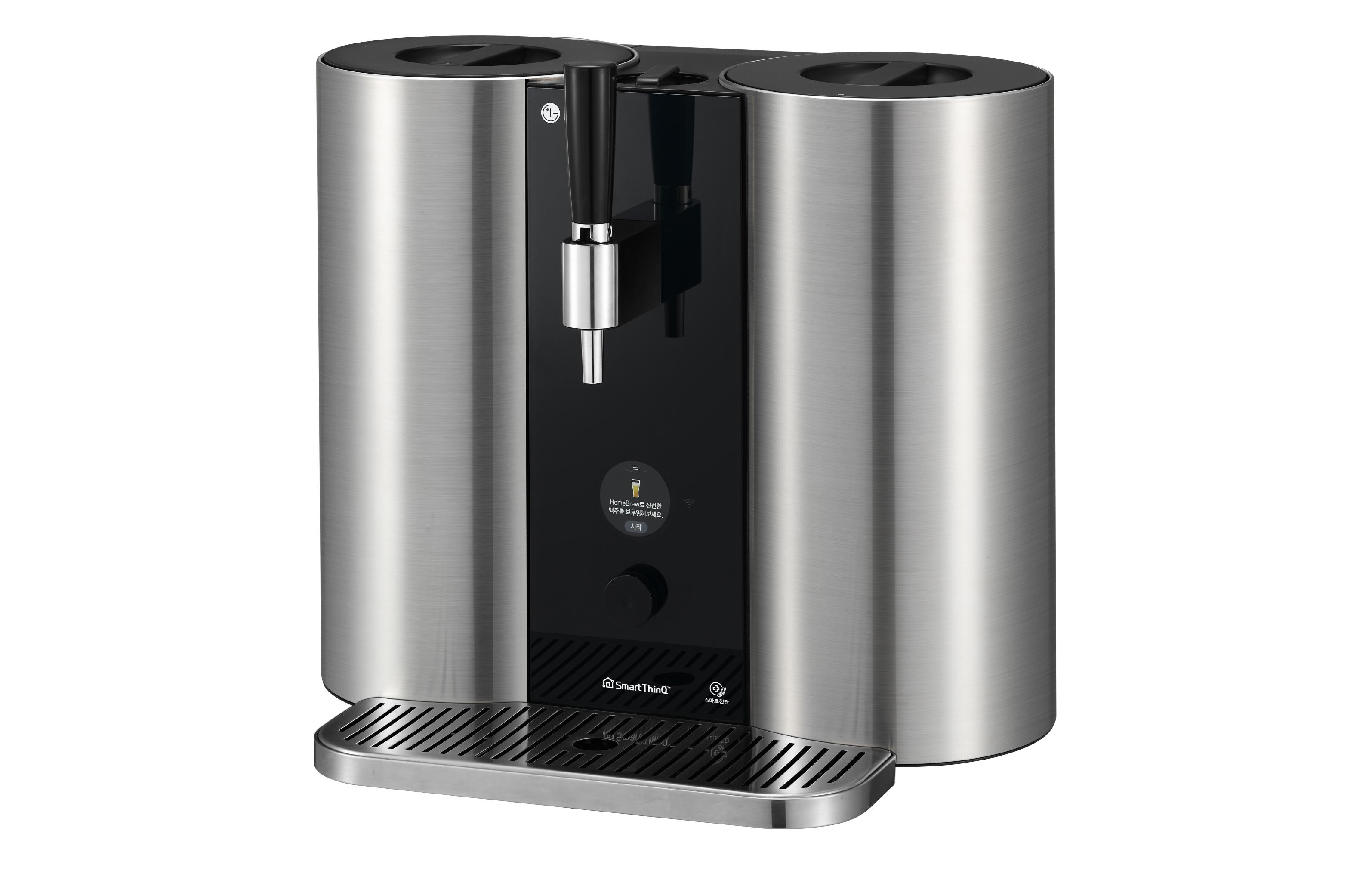 LG 홈브루(LG HomeBrew) 제품 사진. 이 제품은 복잡하고 어려운 맥주 제조 全 과정을 자동화해 누구나 손쉽게 나만의 수제맥주를 만들 수 있는 혁신적인 캡슐맥주제조기다. 97년 전통의 세계적 몰트제조사 영국 문톤스(Muntons)와 캡슐을 공동 개발했다. 대표적인 영국식 에일 맥주인 페일 에일(Pale Ale), 인도식 페일에일(India Pale Ale), 흑맥주(Stout), 밀맥주(Wheat), 친숙한 라거 맥주인 필스너(Pilsner) 등 인기 맥주 5종을 취향에 따라 직접 제조할 수 있다.