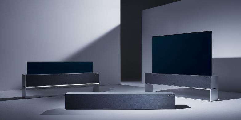 제19회 인간공학 디자인상에서 '최고 혁신상'을 받은 'LG 시그니처 올레드 TV R' 제품 이미지