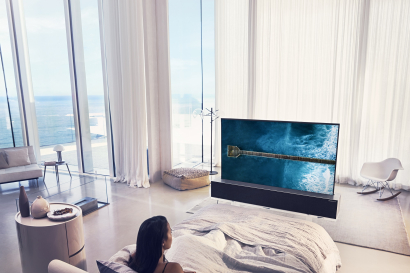 노출 화면 크기 조절이 가능한 'LG 시그니처 올레드 TV R'로 다양한 공간을 연출한 모습
