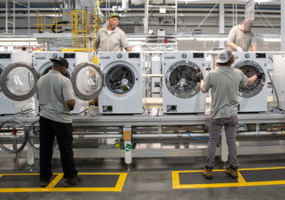 미국 테네시 LG전자 세탁기 공장 생산라인