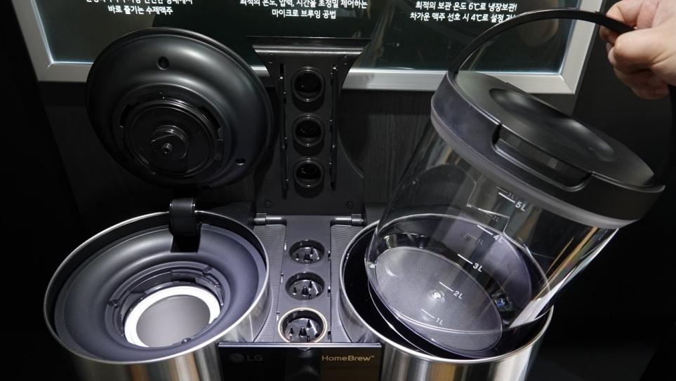 온수 살균 시스템과 정기적인 관리가 가능한 LG 홈브루