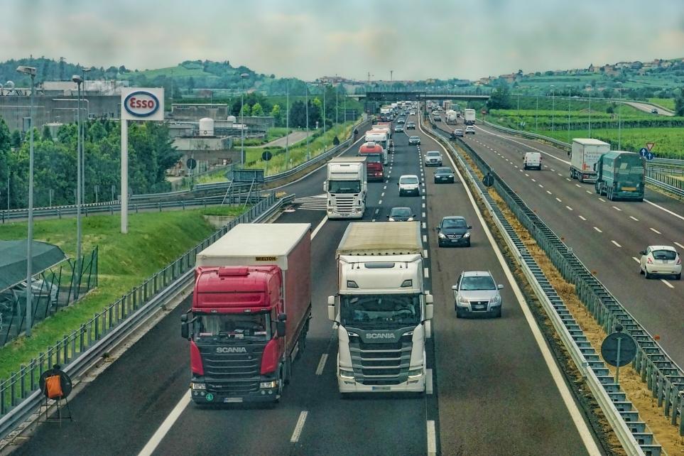 V2X가 가능한 자율주행 시스템으로 화물 운송 차량의 운영도 최적화