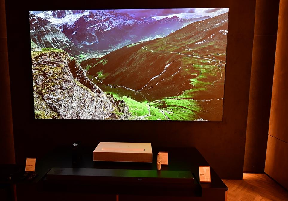 LG 시네빔 레이저 4K 작동 모습