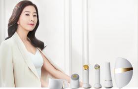 LG 프라엘 광고 모델 김희애가 LG 프라엘 6종 제품과 함께 포즈를 취하고 있다.