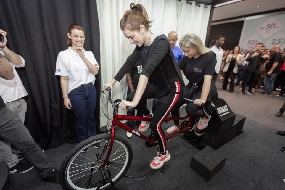 자전거 챌린지에 참여한 브라질 인플루언서