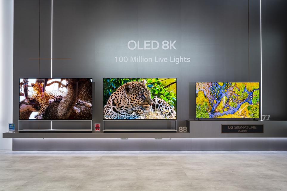 CES 2020에서 선보인 LG 올레드 TV 전시 전경 1