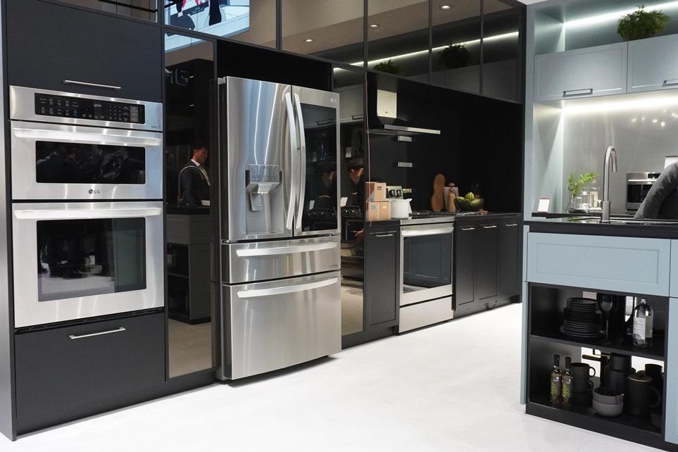CES 2020에서 선보인 인스타뷰 크래프트 아이스 냉장고 전경