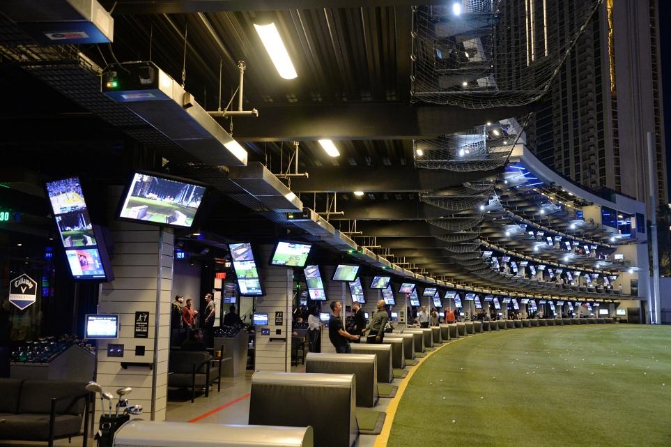 LG 디지털 사이니지가 설치된 라스베이거스의 '탑골프' 전경