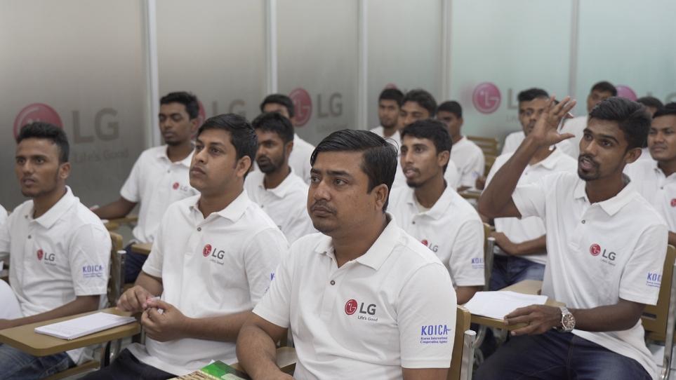 방글라데시 LG 인버터 클래스의 교육 모습 2