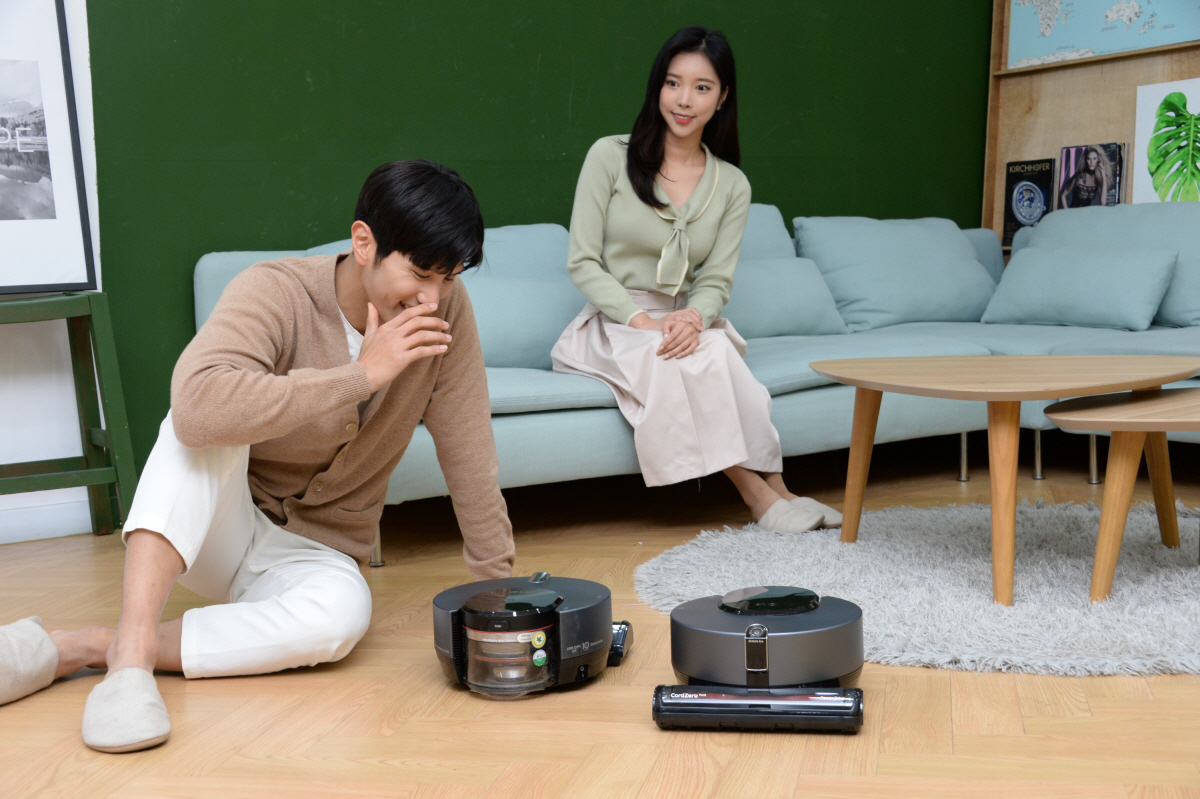 똑똑해진 로봇청소기 'LG 코드제로 씽큐 R9 보이스' 출시