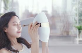 피부 관리? LG 프라엘 더마 LED 마스크로 안전하게!