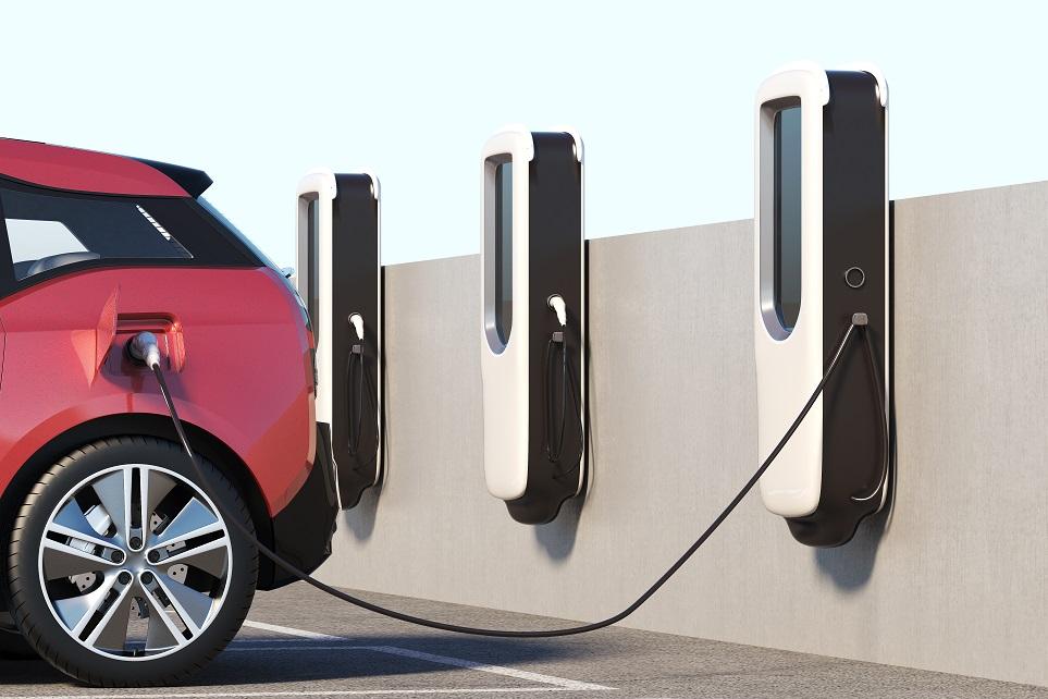 전기 자동차가 충전 중인 모습 1