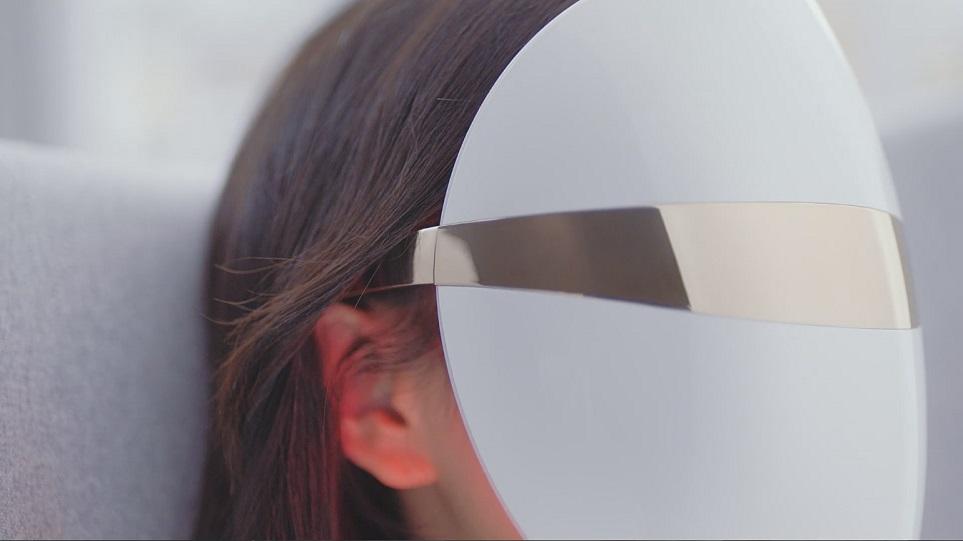 LG 프라엘 LED 마스크 사용중인 모습