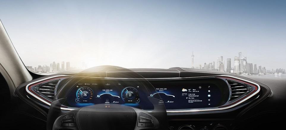 운전석 앞에 있는 계기판(Cluster)과 AVN(Audio, Video, Navigation), CID(Center Information Display)가 하나로 통합된 디스플레이
