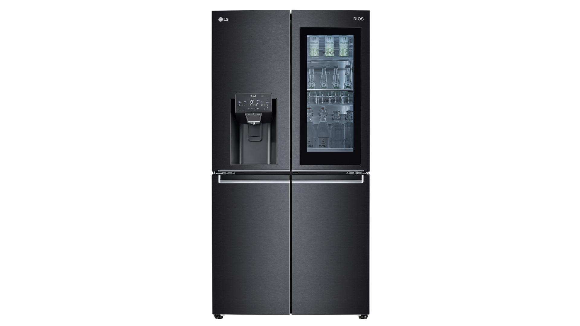 음성만으로 냉장고 문이 열리고 위생관리는 보다 철저해진 'LG 디오스 얼음정수기냉장고'(모델명: J823MT75V) 제품사진