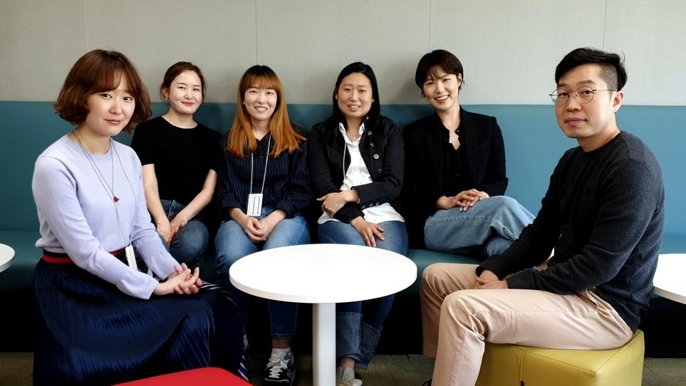 LG전자 VS디자인연구소 OEM UX Task (왼쪽부터) 박지영 책임, 유아연 선임, 고승연 선임, 오지원 책임, 정혜인 선임, 안종윤 책임