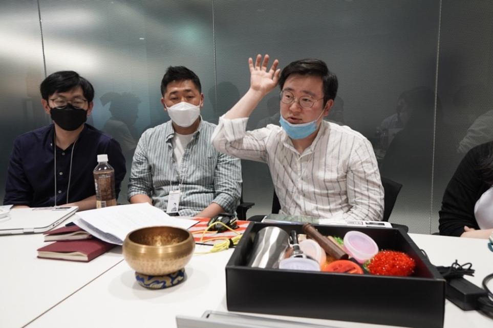 LG 벨벳 사운드 기능 개발 에피소드를 설명하는 개발자
