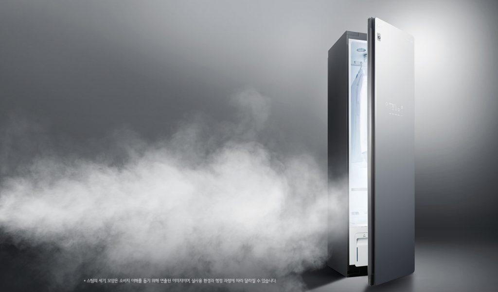LG전자의 신개념 의류관리기 'LG 스타일러'가 해외에서도 차별화된 스팀기능의 우수성을 인정받고 있다. LG 스타일러 제품 사진