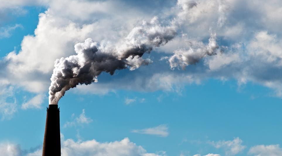 온실가스가 배출되는 모습