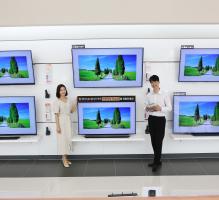 'LG 올레드 TV' 가격 200만원 '문턱'