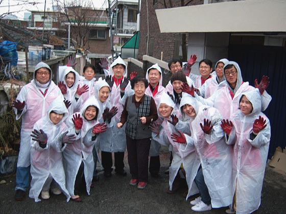 봉사자들 단체 사진