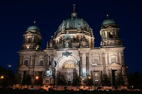 베를린 대성당의 야경 사진