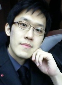 홍성철 사진