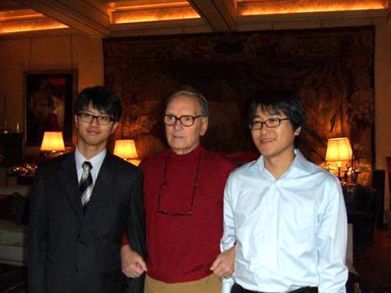 엔니오 모리코네와 함께 찍은 사진