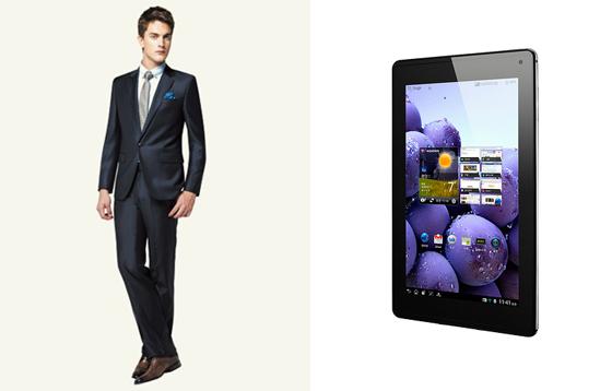 양복과 태블릿 PC 사진